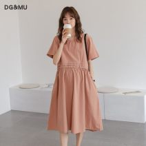 Dress DG&MU Average size Korean version Short sleeve Medium length summer Crew neck Solid color polyester