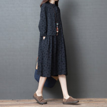 Dress Autumn of 2019 Black, Navy M [below 115 Jin], l [115-130 Jin], XL [130-145 Jin], 2XL [145-160 Jin] Mid length dress singleton  Long sleeves commute other Loose waist Dot Single breasted other routine Others 30-34 years old Type H Other / other Retro Pocket, button, print other cotton