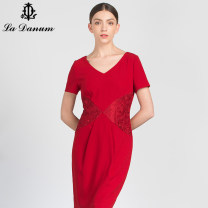 Dress Summer of 2018 gules 7/S 9/M 11/L 13/XL 15/XXL 17/XXXL Middle-skirt singleton  Short sleeve commute V-neck High waist Solid color zipper One pace skirt routine Others 35-39 years old La Danum / Adana Simplicity Patchwork lace 51% (inclusive) - 70% (inclusive) Cellulose acetate