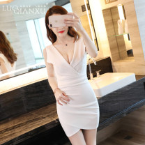 Dress Spring of 2019 S,M,L,XL,2XL Short skirt singleton  Sleeveless commute V-neck middle-waisted Solid color other Irregular skirt Others 25-29 years old Type H Luo qianxu Korean version 81% (inclusive) - 90% (inclusive) cotton