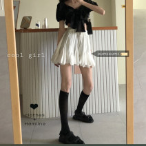 skirt Spring 2021 Average size White skirt, black top Short skirt commute High waist Ruffle Skirt Solid color Type A 18-24 years old 30% and below Korean version
