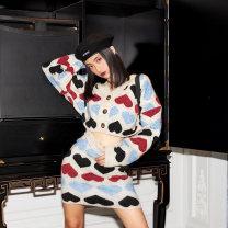 Fashion suit Winter of 2019 M Grey top brown top grey skirt brown skirt 25-35 years old APEA I2711-C543-TS3852H 51% (inclusive) - 70% (inclusive) Polyethylene terephthalate (polyester) 77% polyacrylonitrile fiber (acrylic fiber) 20% polyurethane elastic fiber (spandex) 3%