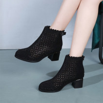 Boots 34 35 36 37 38 39 40 41 black Superfine fiber Middle heel (3-5cm) Thick heel Superfine fiber Short tube Round head PU Superfine fiber Spring 2020 Back zipper Europe and America rubber Solid color Fashion boots Adhesive shoes PU Youth (18-40 years old) spring and autumn Hollow water drill