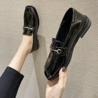 Low top shoes 35 36 37 38 39 Pamani Matte black mirror black Square head PU Square heel Low heel (1-3cm) Shallow mouth cloth Spring 2021 Trochanter Korean version Adhesive shoes Youth (18-40 years old) Solid color rubber Single shoes Shallow mouth PU leisure time 2021-3-17-9 Face dressing