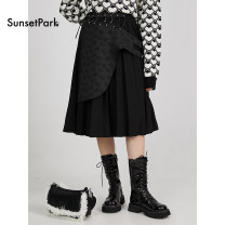 skirt Winter 2020 S, M longuette commute High waist Pleated skirt Solid color Type A 18-24 years old 71% (inclusive) - 80% (inclusive) polyester fiber Retro 201g / m ^ 2 (including) - 250G / m ^ 2 (including)