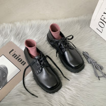Low top shoes 35 36 37 38 39 Snow shadow floating Square head PU Thick heel Low heel (1-3cm) Deep mouth PU Winter 2020 Frenulum Korean version Adhesive shoes Youth (18-40 years old) Solid color rubber Single shoes PU leisure time Face dressing Pure e-commerce (online only)