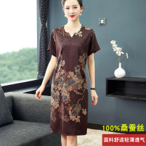 Dress Summer 2020 Green, coffee XL,2XL,3XL,4XL Mid length dress singleton  Short sleeve commute V-neck Loose waist Decor A-line skirt routine Others 40-49 years old Type A AI Yi she Retro 3D, printing 91% (inclusive) - 95% (inclusive) silk