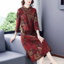 Dress Spring 2021 Red green L XL 2XL 3XL 4XL 5XL Mid length dress singleton  Long sleeves commute stand collar Decor zipper A-line skirt routine 35-39 years old Type X Han Suozhi Retro Embroidery ZNRJ6301 71% (inclusive) - 80% (inclusive) silk Silk 80% others 20% Pure e-commerce (online only)