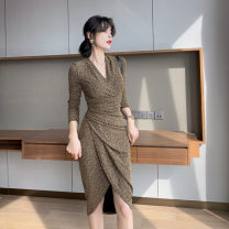 Dress Autumn 2020 Gold Black S M L XL longuette singleton  Long sleeves commute V-neck High waist Solid color Socket One pace skirt routine Others 25-29 years old Type H RUUHEE Retro Splicing R3660 More than 95% polyester fiber Other polyester 95% 5% Pure e-commerce (online only)