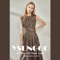 Dress Autumn 2020 Brown Black M L Mid length dress singleton  Polo collar Loose waist 25-29 years old Yishanggu DR20243 31% (inclusive) - 50% (inclusive) other polyester fiber Viscose (viscose) 55% polyester 45% Exclusive payment of tmall