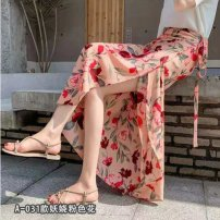 Quick drying pants female thirty-five point two two Under 50 yuan Tagkita / she and others Black background, white spots, beautiful, beautiful, graceful lady, four seasons picturesque, red, elegant, elegant, black circle, red circle, pure red, graceful Average size sandy beach Summer of 2019