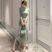 Dress Autumn 2020 green S M L longuette singleton  Long sleeves commute Slant collar High waist Solid color Socket One pace skirt routine Others 25-29 years old Zhi Ruyun lady Ruffled shoulder 51% (inclusive) - 70% (inclusive) cotton Cotton 53.7% polyester 38.2% polyurethane elastane 8.1%