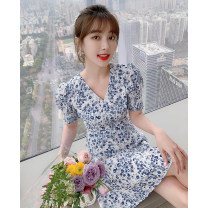 Dress Summer 2021 blue S M L XL Short skirt singleton  Short sleeve commute V-neck High waist Decor Socket A-line skirt bishop sleeve Others 25-29 years old Type A Tong Shiyao lady Pleated printing TSY21X9794 81% (inclusive) - 90% (inclusive) Chiffon polyester fiber Polyester 90% other 10%