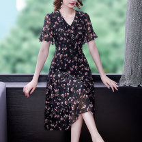 Dress Summer 2021 Pink flower black L XL 2XL 3XL 4XL 5XL Middle-skirt singleton  Short sleeve commute V-neck middle-waisted Decor Socket A-line skirt other Others 35-39 years old Type A Mu Yixin lady NEJ6586 More than 95% Chiffon other Other 100% Pure e-commerce (online only)