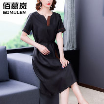 Dress Summer 2021 black L XL 2XL 3XL 4XL Mid length dress singleton  Short sleeve commute V-neck High waist Solid color zipper Big swing routine Others 35-39 years old Type A Bomulen Retro BNRJ1865 71% (inclusive) - 80% (inclusive) silk Silk 80% others 20% Pure e-commerce (online only)