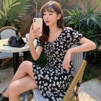 Outdoor casual suit Tagkita / she and others female Under 50 yuan forty-nine point eight zero S 80-95, m 95-105, l 105-115, XL 115-125, 2XL 125-135, 3XL 135-150 Small daisy (French square collar), small daisy (short style), small daisy (split middle and long style), style making deposit Summer 2020