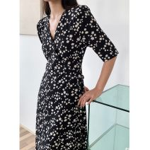 Dress Summer 2021 Black, white, light blue S, M Mid length dress singleton  Short sleeve commute V-neck High waist Broken flowers Socket A-line skirt routine Others 25-29 years old Type A Korean version Printed, asymmetrical, lace up, bandage 91% (inclusive) - 95% (inclusive) Chiffon cotton