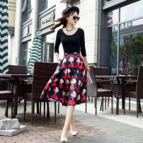 Cosplay women's wear Other women's wear goods in stock Over 14 years old Red doll printing, blue hat printing, yellow dog print, black perfume bottle printing. Animation, original other O809780 28M