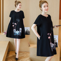 Women's large Summer 2021 black XL [100-120 Jin] 2XL [120-140 Jin] 3XL [140-160 Jin] 4XL [160-180 Jin] 5XL [180-200 Jin] Dress singleton  commute easy moderate Socket Short sleeve Solid color Korean version Crew neck Medium length cotton Three dimensional cutting other Poetry and moon 25-29 years old