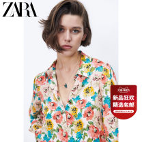 shirt XS (160/80A) S (165/84A) M (170/88A) L (175/96A) Summer 2021 polyester fiber 96% and above Long sleeves Versatile Regular Polo collar Single row multi button routine other 25-29 years old ZARA printing Polyester 100% Same model in shopping mall (sold online and offline)
