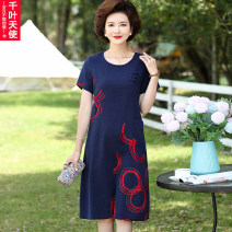 Middle aged and old women's wear Summer 2021 Blue red L XL 2XL 3XL 4XL fashion Dress easy singleton  Decor 40-49 years old Socket thin Crew neck Medium length routine Chiba angel Embroidery polyester Polyester 100% 96% and above Pure e-commerce (online only) longuette Polyester