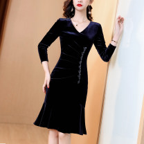 Dress Winter 2020 Dark blue and jujube S M L XL XXL 3XL Middle-skirt singleton  three quarter sleeve commute V-neck middle-waisted Solid color zipper A-line skirt routine Others 30-34 years old JINKAIX Simplicity JKX2011022 More than 95% polyester fiber Pure e-commerce (online only)