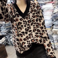 T-shirt Royal blue card, its color is blue S M L XL XXL Autumn of 2018 Long sleeves V-neck easy Regular routine commute other 96% and above 25-29 years old Korean version classic Leopard Print Pretty dew QL1883 Other 100% Pure e-commerce (online only)