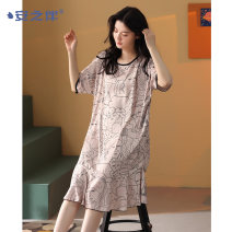 Nightdress A good companion D13048 D13047 D13051 M L XL XXL Sweet Short sleeve Leisure home Middle-skirt summer youth Crew neck Polyester (polyester) printing More than 95% Iced silk D13048 Summer 2021 Polyester 96% polyurethane elastic fiber (spandex) 4% Pure e-commerce (online only)