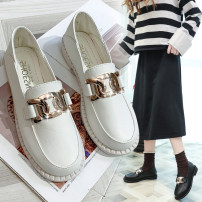 Low top shoes 35,36,37,38,39,40 In the same boat Off white, black Round head PU Square heel Low heel (1-3cm) Shallow mouth PU Spring 2021 Frenulum Korean version Adhesive shoes Youth (18-40 years old) Solid color rubber Single shoes Shallow mouth, metal decoration cloth daily Face dressing