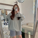 T-shirt Grey T-shirt, plaid short Average size Spring 2021 Long sleeves Crew neck easy Medium length routine commute cotton 31% (inclusive) - 50% (inclusive) 18-24 years old Korean version Other / other