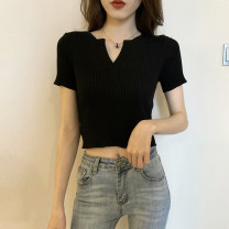 T-shirt Khaki, white, red, green, blue, black Average size Summer 2021 Short sleeve V-neck Self cultivation have cash less than that is registered in the accounts routine commute other 30% and below 18-24 years old Korean version Solid color