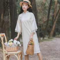 Dress Spring 2020 Apricot S,M,L Middle-skirt singleton  three quarter sleeve commute Polo collar High waist Solid color Socket A-line skirt pagoda sleeve Others 18-24 years old Type A Retro Splicing MN698172# 71% (inclusive) - 80% (inclusive) Silk and satin cotton