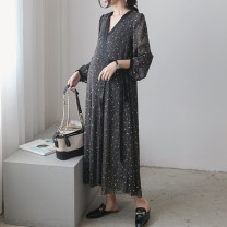 Dress Seaporey / cypress Average size Korean version Long sleeves have more cash than can be accounted for autumn V-neck
