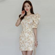 Dress Spring 2021 yellow S,M,L,XL Middle-skirt singleton  commute High waist Decor zipper Pencil skirt puff sleeve Type X Korean version