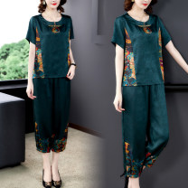 Middle aged and old women's wear Summer 2021 Red, green L,XL,XXL,XXXL,4XL,5XL fashion suit easy Two piece set Flower and bird pattern 40-49 years old Socket thin Crew neck routine routine B188361 Other / other pocket Polyester, silk 31% (inclusive) - 50% (inclusive) Ninth pants