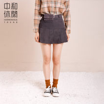 skirt Autumn 2020 M L XL Short skirt Versatile Natural waist Pleated skirt Solid color 25-29 years old More than 95% Accordan t trend / Zhonghe leisure polyester fiber Polyester 100% Same model in shopping mall (sold online and offline)