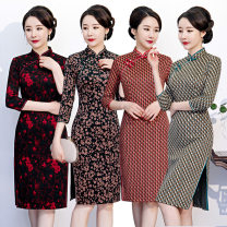 cheongsam Autumn 2020 M,L,XL,XXL,3XL,4XL 2325 red flowers on black background, 2326 small flowers on green background, 2327 red stripes, 2328 green stripes three quarter sleeve Retro Low slit Oblique lapel other Mink polyester fiber 31% (inclusive) - 50% (inclusive)