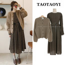 Dress Winter 2020 Brown sweater, dress S,M,L,XL Mid length dress Two piece set Long sleeves commute Crew neck High waist Broken flowers zipper A-line skirt puff sleeve Others 18-24 years old Type A Korean version Lace up, strap, zipper, print 71% (inclusive) - 80% (inclusive) Chiffon