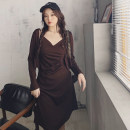 Women's large Spring 2021 Black suit, coffee suit Large L, large XL, large XXL, large XXL, large XXXL Dress Two piece set commute easy thin Solid color Korean version V-neck routine other routine 3.15 pleated suspender skirt + cardigan suit 30% and below Medium length