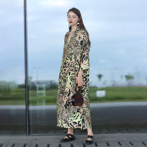 Women's large Autumn 2020 Picture color M. Large L Dress singleton  commute easy moderate Socket Long sleeves Leopard print, animal print Retro V-neck printing and dyeing Q84 The robe of Dancing Flower meat pocket longuette