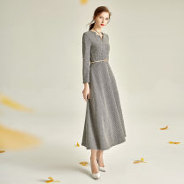 Dress Winter 2020 longuette singleton  Long sleeves commute V-neck middle-waisted Solid color zipper Big swing routine Others 35-39 years old Type X Other / other literature zipper 31% (inclusive) - 50% (inclusive) Wool wool