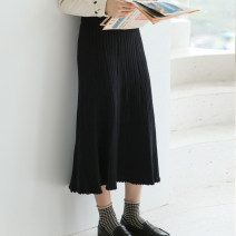 skirt Winter of 2018 Average size Black Brown Mid length dress commute High waist Umbrella skirt Solid color Type A 18-24 years old 71% (inclusive) - 80% (inclusive) knitting Silvermoon / Selmo polyester fiber Korean version Pure e-commerce (online only)