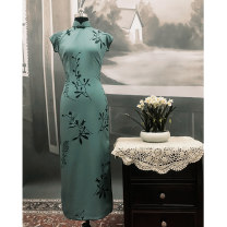 cheongsam Autumn of 2019 S (spot), m (spot), l (spot), XL (spot), XXL (spot) Tang Weitong (130cm in length). The new TangChang (120cm) is available only. (in stock) Sleeveless long cheongsam Retro Low slit Oblique lapel Decor Piping The language of the Tang Dynasty