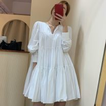 Dress Autumn 2020 Khaki, white, black, pantyhose Average size Middle-skirt singleton  Long sleeves commute V-neck Loose waist Solid color Socket Cake skirt routine Others 18-24 years old Type A Other Korean version 51% (inclusive) - 70% (inclusive) brocade cotton