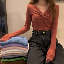 Wool knitwear Autumn 2020 Average size Khaki, apricot, gray, white, purple, green, blue, black, pink, brick red Long sleeves singleton  Socket other 31% (inclusive) - 50% (inclusive) have cash less than that is registered in the accounts routine commute Self cultivation V-neck routine Solid color