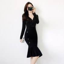 Dress Autumn of 2019 black Mid length dress singleton  Long sleeves commute V-neck High waist Solid color zipper Ruffle Skirt routine Others 25-29 years old Type X Other / other Simplicity Ruffles, zippers 91% (inclusive) - 95% (inclusive) brocade polyester fiber
