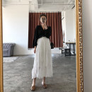 skirt Summer of 2018 S M L white longuette commute High waist High waist skirt Solid color 18-24 years old eighty thousand two hundred and thirty 31% (inclusive) - 50% (inclusive) other other Pleating Korean version