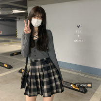 T-shirt Black top, dark grey top, plaid pleated skirt s, plaid Pleated Skirt M Average size cotton 86% (inclusive) -95% (inclusive)