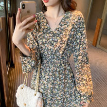 Dress Summer 2021 Floral skirt S M L XL longuette singleton  Long sleeves commute V-neck High waist Broken flowers Socket A-line skirt routine 18-24 years old Type A Yamais / yamas Korean version printing More than 95% Chiffon other Other 100% Pure e-commerce (online only)