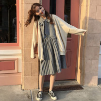 Dress Autumn of 2018 Picture color One size fits all, XXXs pre-sale Mid length dress singleton  Long sleeves commute V-neck High waist houndstooth  other Pleated skirt other Others 18-24 years old Type A Other / other Korean version Bow, fold, lace